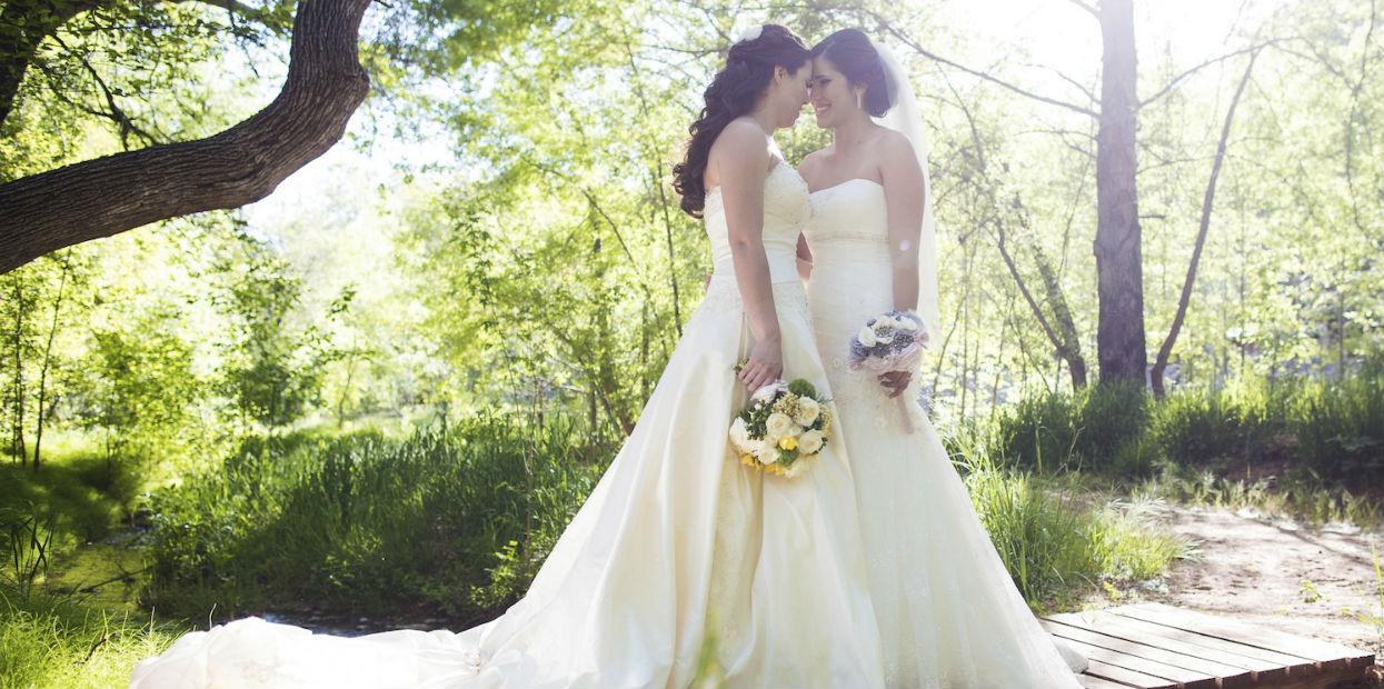 Female wedding couple wedding photography in the woods