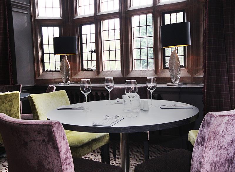 Oscar Restaurant dining room