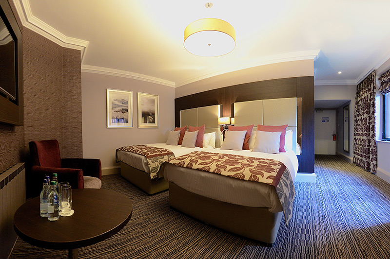 Twin Double Room Abbey house Hotel