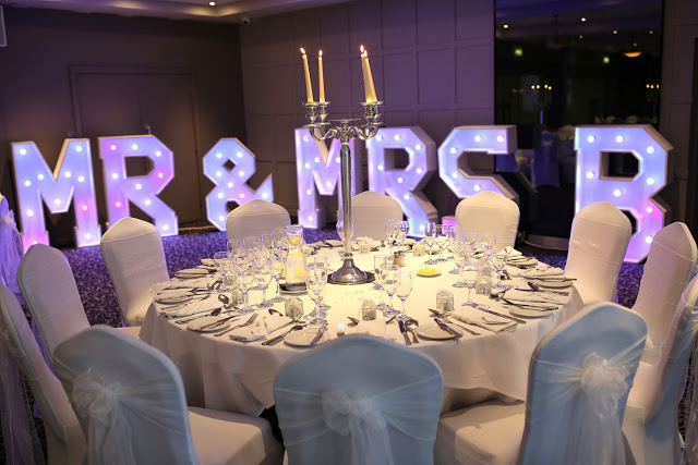 mr and mrs large lights