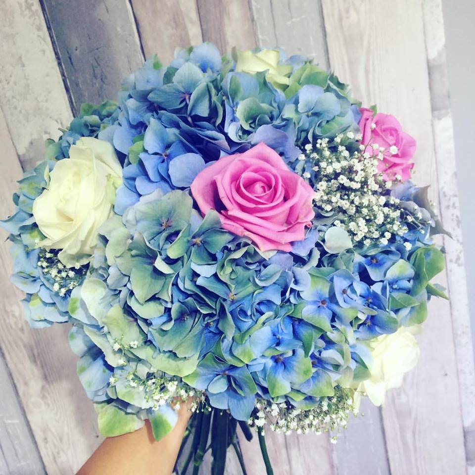 Blue flower bouquet for wedding