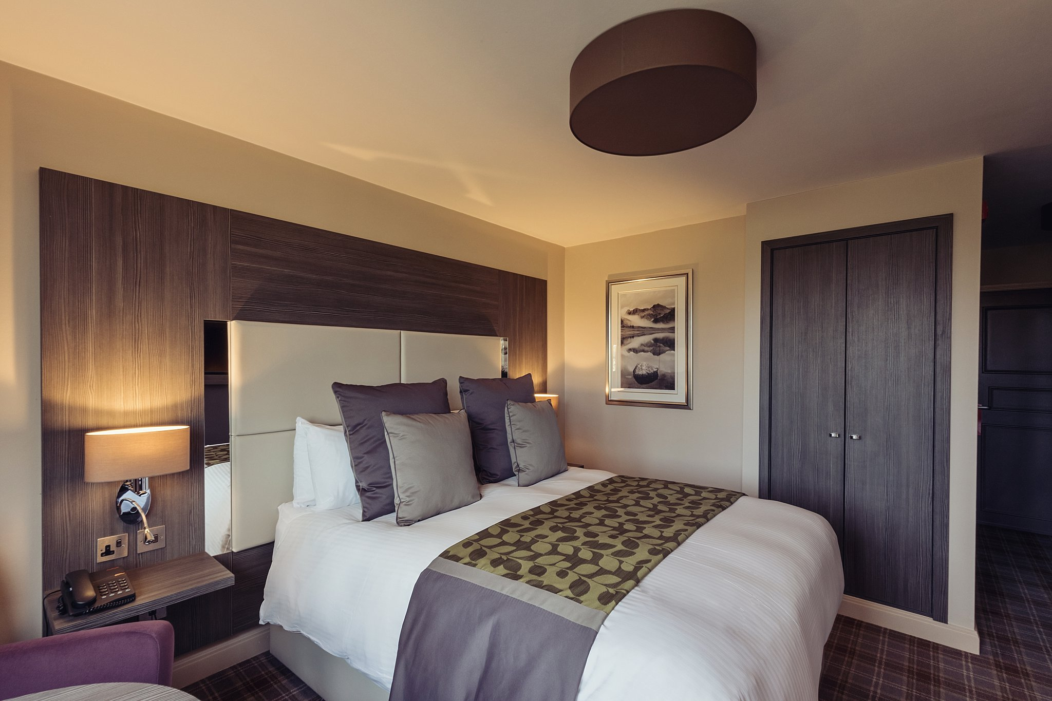 Adjoining Contempo rooms
