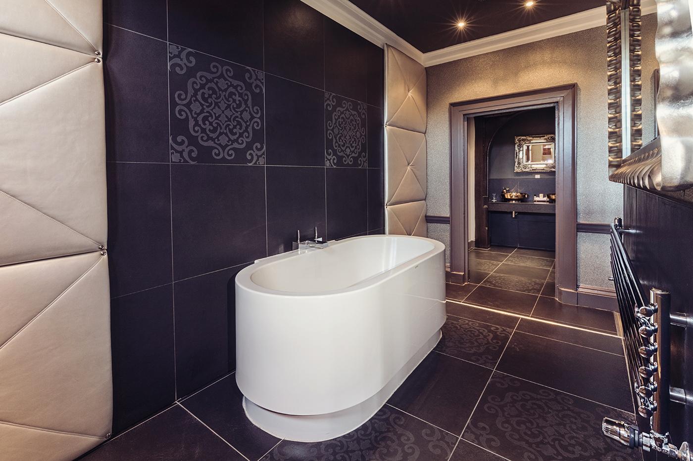 Princess luxury suite bathroom